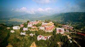 Monastère bouddhiste antique en Himalaya Népal d'air photo stock