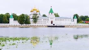 Monastère d'Ipatiev dans Kostroma Boucle d'or de la Russie Image libre de droits