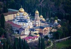 Monastère de Novo-Athos en l'Abkhazie en hiver image stock