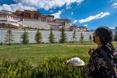 Monastère de Potala au Thibet Photo stock