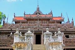 Monastère de Shwenandaw, Mandalay, Myanmar Photos stock