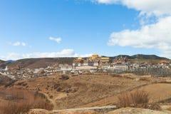Monastère de Songzanlin dans Shangrila, Chine Photographie stock libre de droits