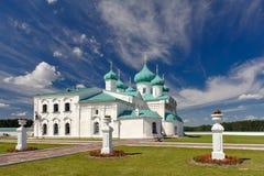 Monastère mâle Svirsky de trinité sainte. Photographie stock
