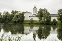 Monastère orthodoxe dans la ville de Borovsk près de Moscou Photos stock