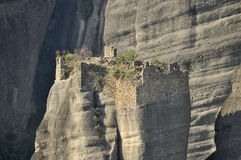 Monastère ruiné chez Meteora Photo libre de droits
