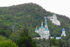 Monastère sur la montagne Photos libres de droits