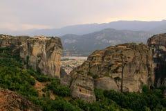Monastères au coucher du soleil, Meteora Images stock