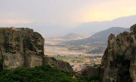 Monastères au coucher du soleil, Meteora photographie stock libre de droits