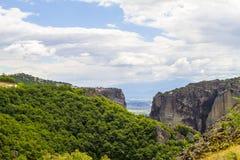 Monastères de Meteora, formations de roche incroyables de grès Photographie stock