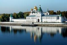 Monastério de Ipatievsky em Rússia, cidade de Kostroma Imagem de Stock