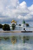 Monastério de Ipatievsky em Rússia, cidade de Kostroma Fotografia de Stock