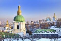Monastério de Kiev-Pechersk Lavra na neve Imagens de Stock Royalty Free