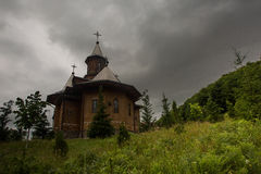 Monastério de madeira Romênia foto de stock royalty free