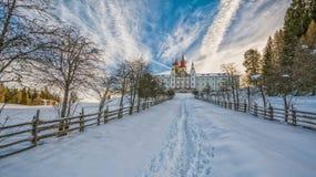 Monastério de Pietralba perto de Monte San Pietro, Nova Ponente, Tirol sul, Itália O santuário o mais importante de Tirol sul Win imagens de stock royalty free