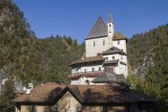 Monastério de San Romedio em Val di Non imagens de stock