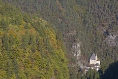 Monastério de San Romedio em Val di Non fotografia de stock