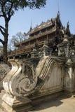 Monastério de Shwe Nandew - Amarapura- Myanmar imagens de stock