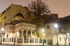 Monastério de Stavropoleos na noite foto de stock