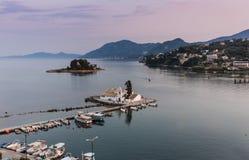 Monastério de Viacherna e ilha do rato, Corfu, Grécia Fotos de Stock