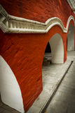 Monastério de Zachatievskiy Parede com colunas Fotos de Stock Royalty Free