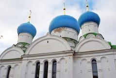 Monastério do esmagamento em Uglich, Rússia fotografia de stock