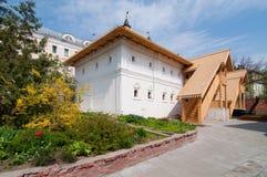 Monastério fraterno de construção de Znamensky do corpo em Moscou Imagem de Stock