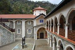 Monastério Kykkos em Chipre, montanhas de Troodos. imagem de stock