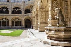 Monastério Lisboa de Jeronimos do claustro Imagens de Stock Royalty Free