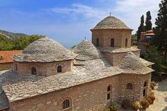 Monastério na ilha de Skiathos em Grécia fotografia de stock royalty free