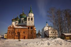 Monastério na região de Yaroslavl, Rússia do esmagamento de Avraamiev Fotografia de Stock Royalty Free