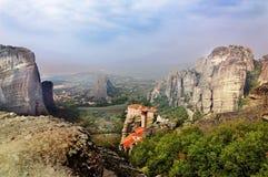 Monastério nas montanhas, Meteora, Grécia fotos de stock royalty free