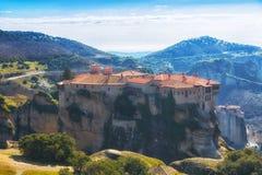 Monastério nas rochas em Meteora Fotografia de Stock Royalty Free