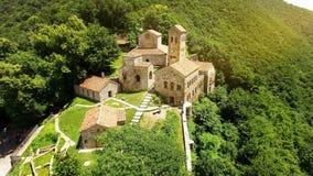 Monastério ortodoxo de Nekresi no vale de Alazani, turismo em Geórgia, arquitetura imagem de stock