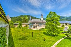 Monastério pintado ortodoxo da igreja de Sucevita, Moldávia, Bucovina, Romênia Fotografia de Stock