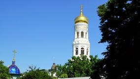 Monastério santamente Odessa de Dormition torre de sino do monastério video estoque