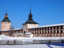 Monastério velho antigo de Kirillo-Belozersky do russo imagem de stock royalty free