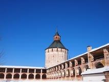 Monastério velho antigo de Kirillo-Belozersky do russo imagens de stock royalty free