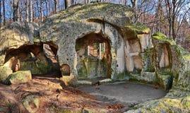 Monastério velho da caverna imagens de stock royalty free