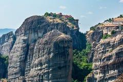 Monastérios rochosos de Meteora do verão, Grécia imagem de stock royalty free