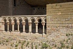 Monaster San Juan De Los angeles Pena, Jaca, w Jaca, Huesca, Hiszpania, rzeźbiący od kamienia pod wielką falezą Ja był oryginalni Zdjęcie Stock