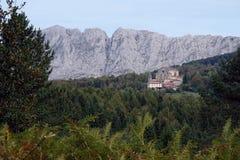 Monaster w urkiola parku narodowym w baskijskim kraju zdjęcie royalty free