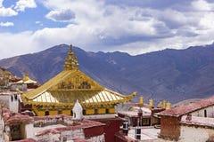 Monasterio budista de Ganden cerca de Lasa, Tíbet Fotos de archivo