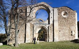 Monasterio cisterciense en ruinas Collado Hermoso, Segovia españa Imagen de archivo