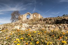 Monasterio cisterciense en ruinas Collado Hermoso, Segovia españa Imagen de archivo libre de regalías
