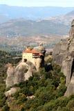 Monasterio de Agios Nikolaos Anapafsas en Meteora fotografía de archivo