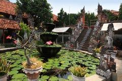 Monasterio de Brahmavihara Arama, isla de Bali (Indonesia) Imágenes de archivo libres de regalías