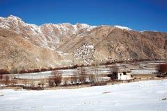 Monasterio de Chemdey en invierno Leh-Ladakh, Jammu y Kahsmir, imagen de archivo