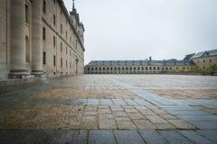 Monasterio de Escorial en una tormenta imagen de archivo