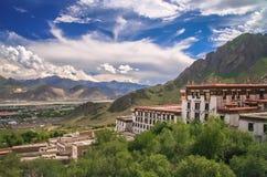 Monasterio de Jokhang cerca de Lasa Imágenes de archivo libres de regalías