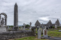 Monasterio de Kilmacduagh - Galway - Irlanda Imagenes de archivo